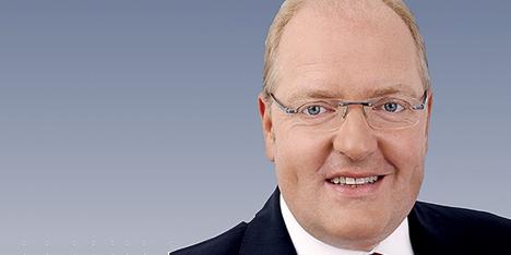 Helmut Bernkopf, Bank Austria Vorstand für Privat- und Firmenkunden, will das Filialnetz der Bank Austria straffen. - 1372934824_ohne-titel-2